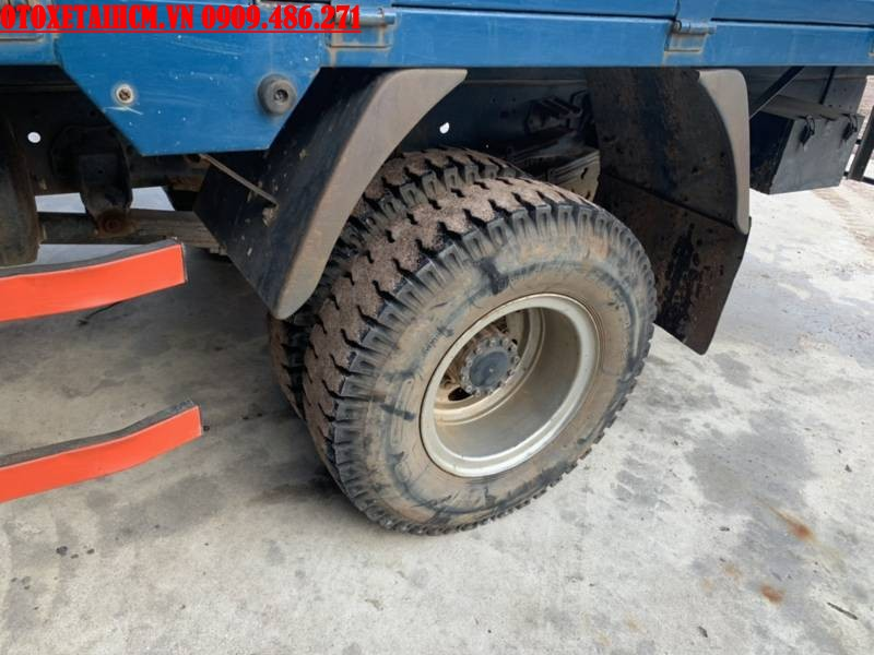 tình trạng lốp xe cũ