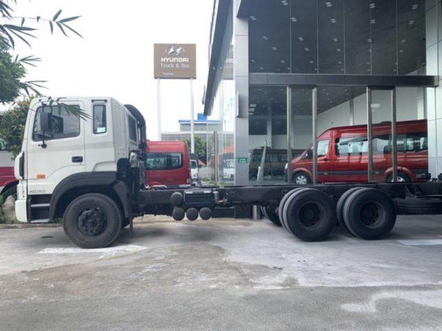 chassi xe tải 3 chân hyundai