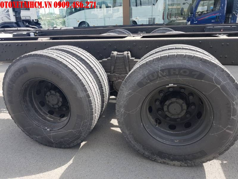 bánh xe Hyundai HD320