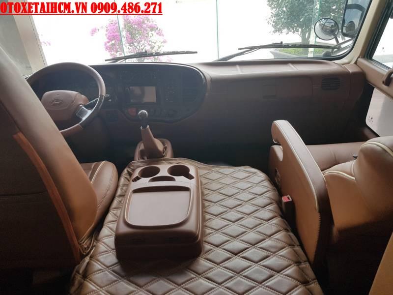 khoang lái limousine