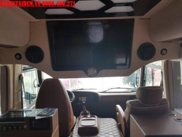 ti vi của hyundai limousine
