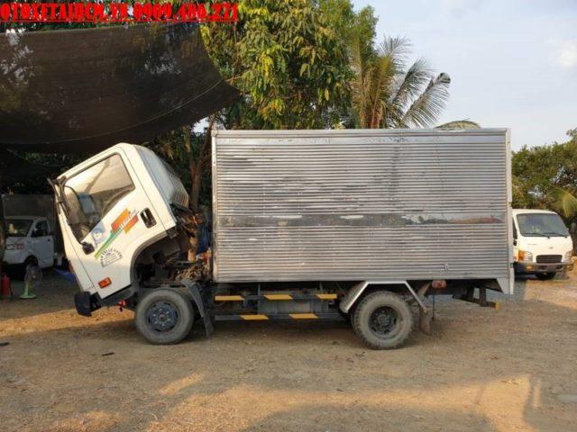 xe tải thùng kín cũ
