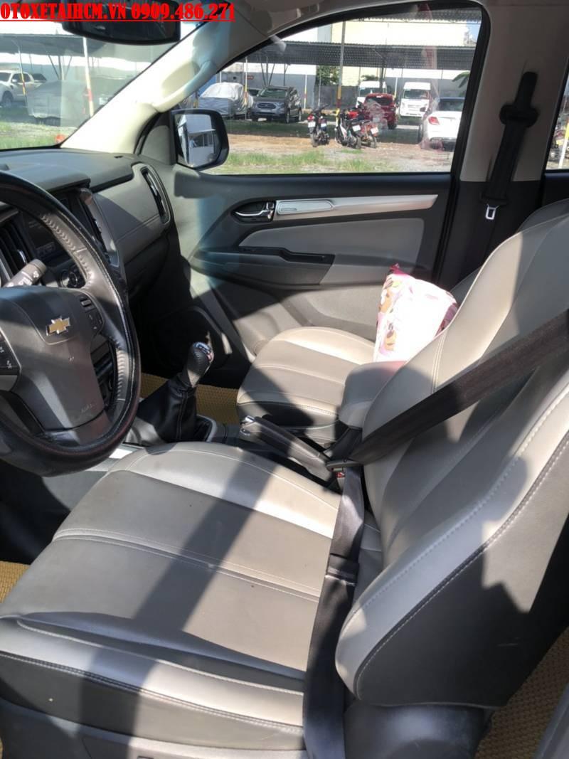 nội thất trong xe